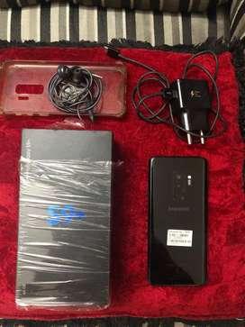 S9 plus color black