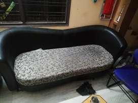 Iam selling my sofas
