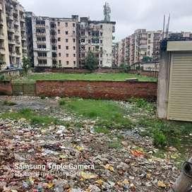 Lucknow me bbd college ke samne 25000sf  plot sale sale krna hi
