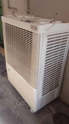 ROCKSON JUMBO AIR COOLER with honey comb mat.1 year old