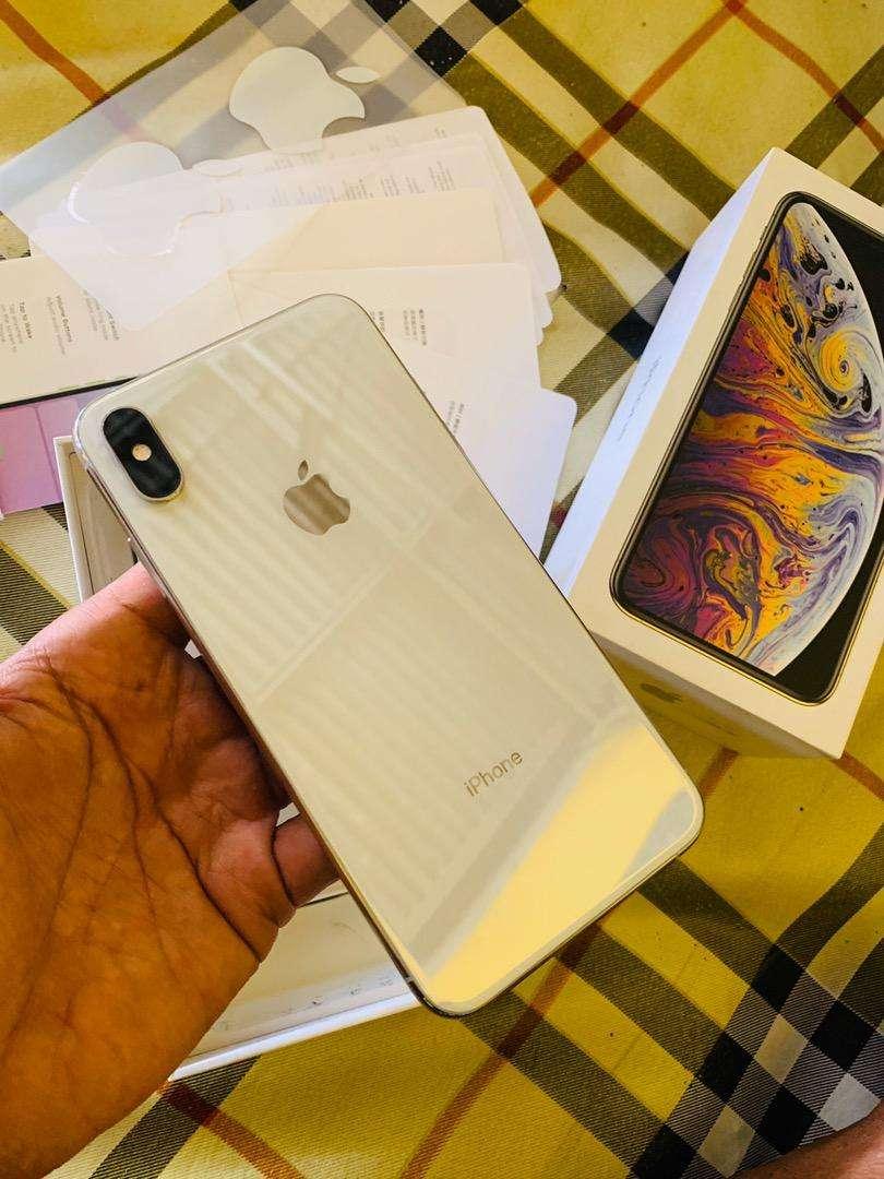 iphone xs max 512 fullset original garansi aktif 0