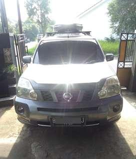 Nissan X-Trail / Xtrail 2009 Abu tua + Roof Box + Matras ISTIMEWA
