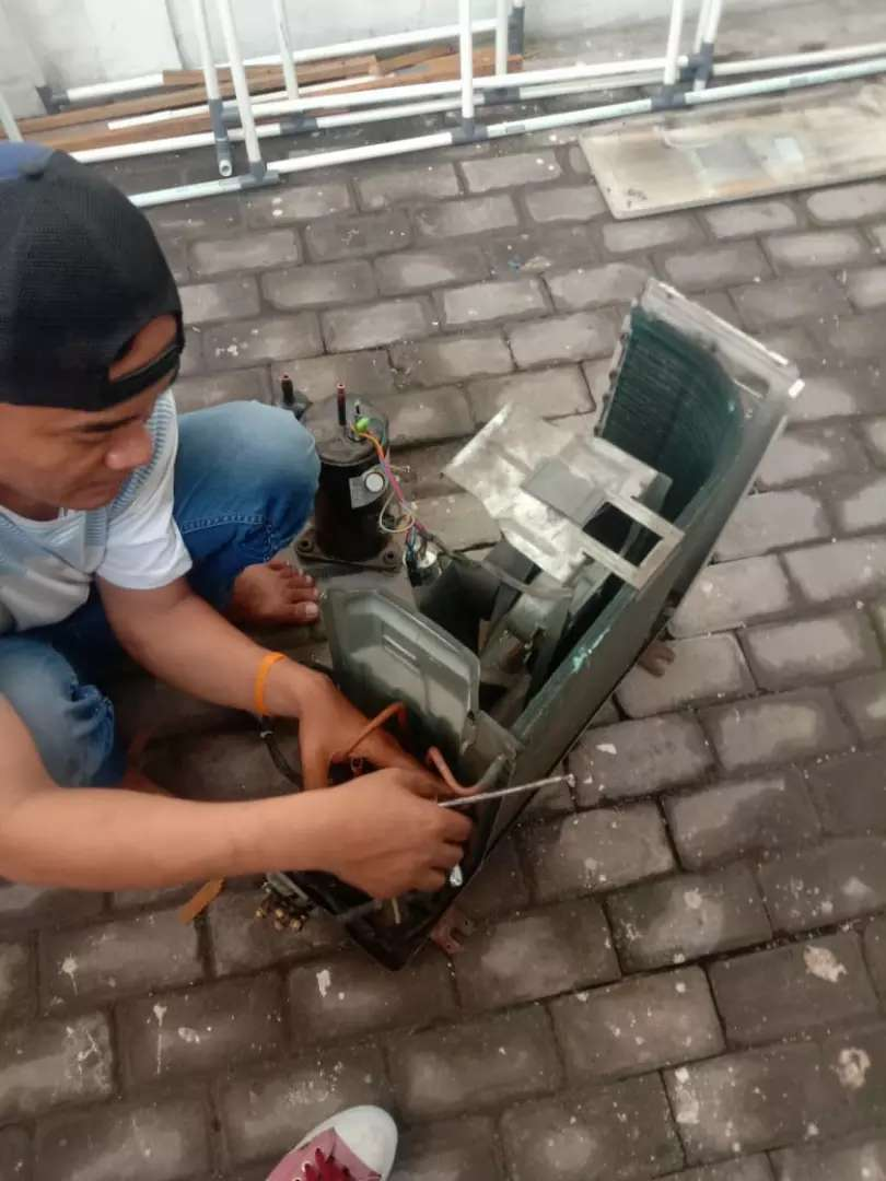 Servise ac/pasang ac/cuci ac/isi freon/pompa air 0