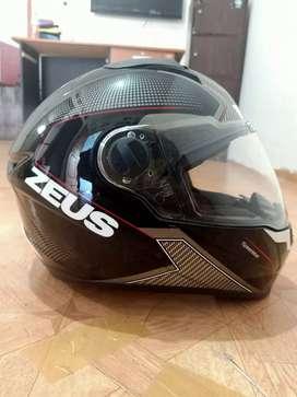 Helm Zeus s 811