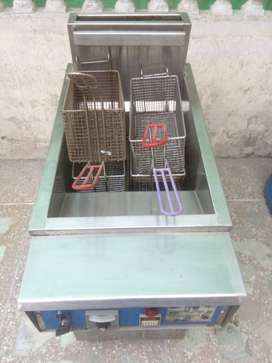 Deep Fryer fully automatic 32 ltr 3 tube for sale in 10/10 condition