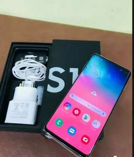 Galaxy S10 with free two original glass back cover (7 month+ old)
