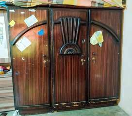 Wood safe almari for Sale - 3 Adjustable Partitions - Good Condition