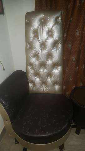 Bed room chairs only 2 month used