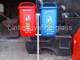 tempat sampah fiberglass 2in1 besi tanam oval organik murah