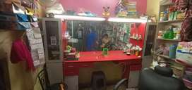 Beauty Parlour Counter