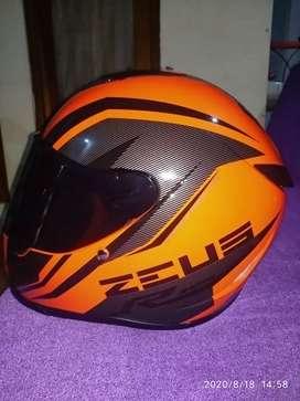 Helm zeus zs822