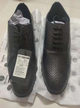 Gents stylish shoes.