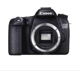 DSLR Canon 70D kondisi sangat baik