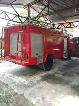 Truk Damkar Pemadam Kebakaran Isuzu 3000L Rekondisi