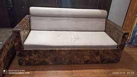 Sofa come bad with center tabel and 2 sofa