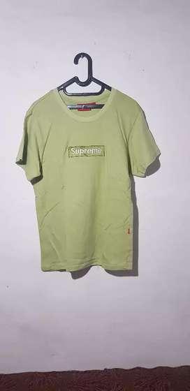 Baju supreme, tshirt