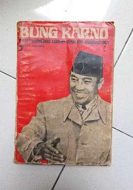Buku Bung Karno penyambung lidah rakyat atau buku tentang sukarno