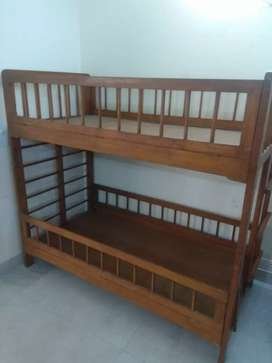 Wood bed for kids