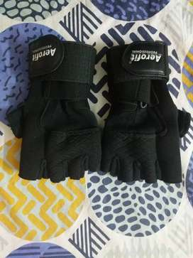 Gym gloves Aerofit