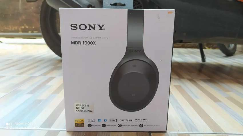 Sony MDR-1000X Second