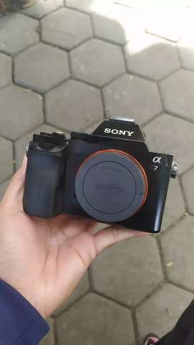 Kamera mirrorless fullframe sony a7 body only murah sc 37rban