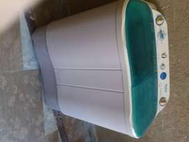 washing machine with spinner in excellent condition