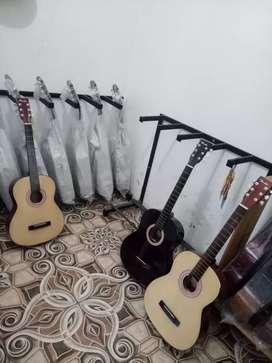Gitar akustik pemula warna hitam