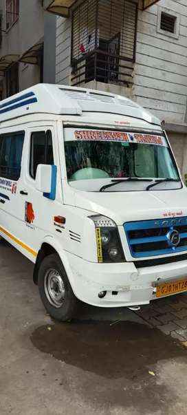17 seat tempo Traveller bhoomi intrier
