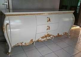 Bufet tv Bombay cat Duco putih mewah