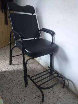 Foldable parlour chair