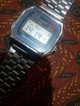 Jam tangan Q&Q model casio