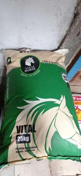Pelet vital horse - Makanan alternatif kelinci