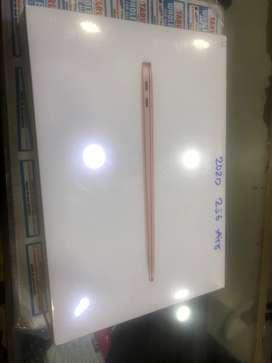 Macbook air 13inch 8/256 gb