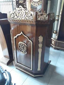 Mimbar masjid al jalil istana jati