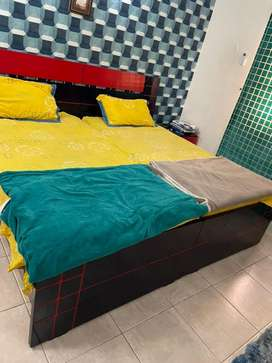 Bed set with all belongings
