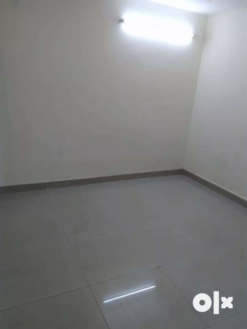1 room kitchen builder flat in saket 0