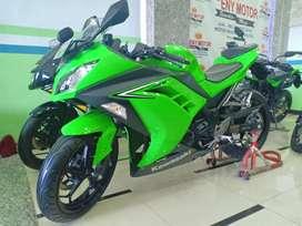 Kawasaki ninja 250 fi tahun 2017 bisa kredit