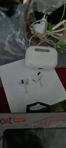 Apple airpod pro and apple airpods 2 seald pack amazing sound n btry