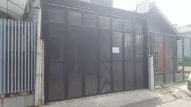 Henderson pintu garasi