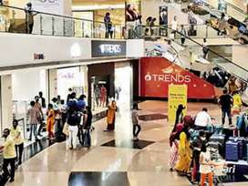 Fresher candidate  8th 10 th 12th urgent hiring in shopping mall