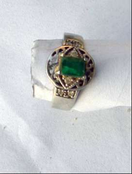 Emerald Lady Ring