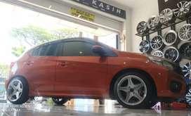 Honda Brio pakai velg hsr anambas r16x75-875 bisa cicil velg