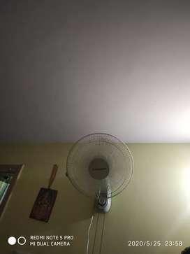Wall mounted Fan.Urgent Sale