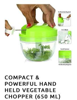 COMPACT & POWERFUL HAND HELD VEGETABLE CHOPPER (650 ML)