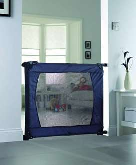 Lindam Flexiguard Portable Safety Barrier. Imported Made in UK.