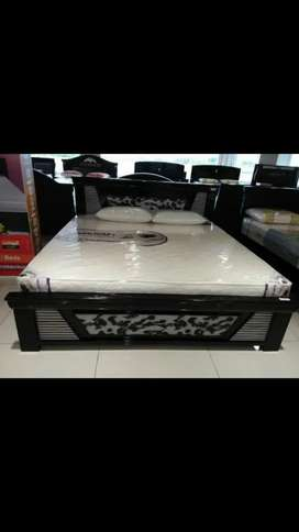 Premium Quality Queen size and King size cots at reasonable prices