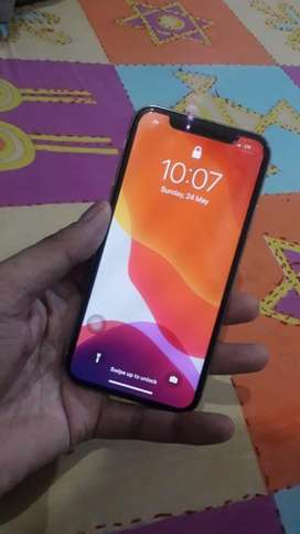 Iphone x 64 gb white colour with bill box and all accessories.