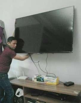 jual serta bantu pasang bracket buat gantungan tv lcd led di dinding