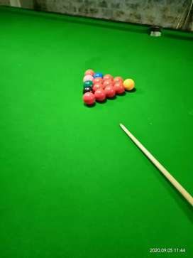 pool table midium size 5×10