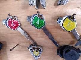 Monggo kunci variasi warna...  Yamaha dan honda